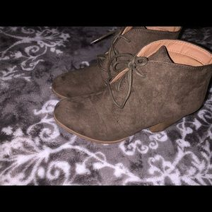 Charlotte Russe Shoes - Olive green heeled booties 👢